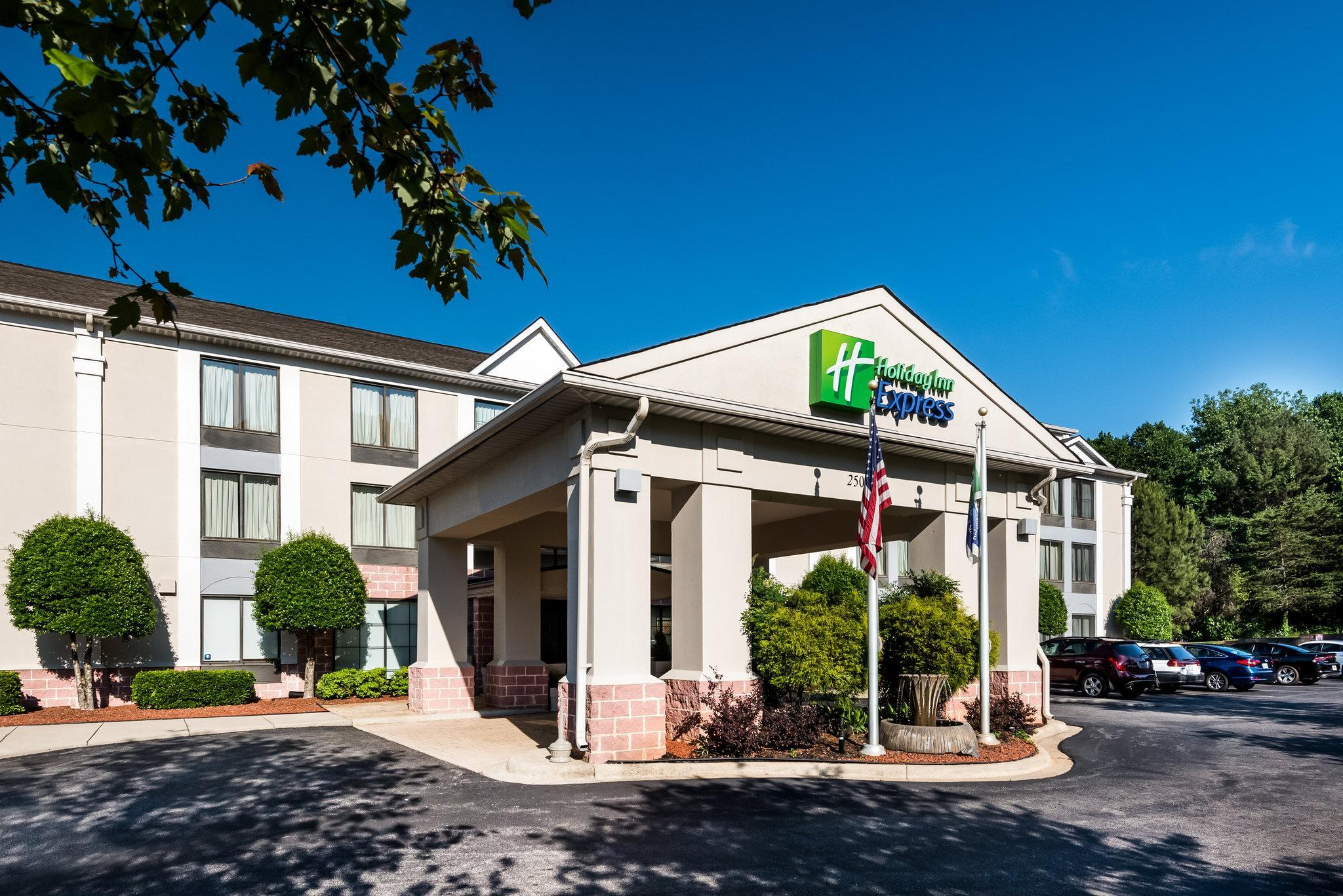 Holiday Inn Express Hotel And Suites Charlotte Arpt Belmont