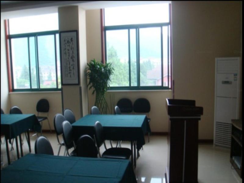 Discount GreenTree Inn Wuxi Huishan District Taihu Huanle Garden Qianqiao Express Hotel