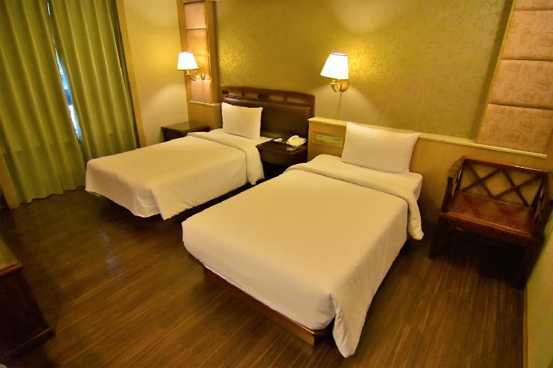 ? (Deluxe Twin Bed For 2 Persons)