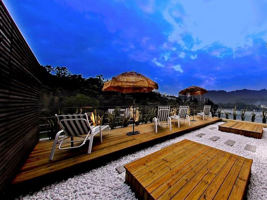 Sun Moon Lake Karuizawa Villa BandB