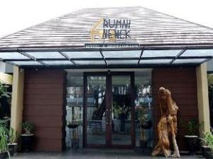 Rumah Nenek Hotel & Restaurant