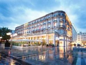 關於多姆艾美飯店 (Dom Hotel Le Meridien)