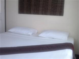 Residencia Katrina Bed and Breakfast