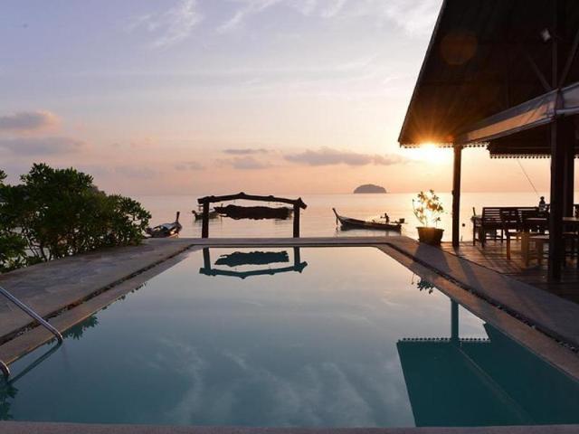 หลีเป๊ะ พาวเวอร์ บีช รีสอร์ท – Lipe Power Beach Resort