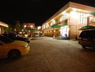 La Roca Veranda Suites & Restaurant