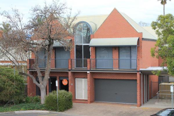 Specialty Accommodation Adelaide Dress Circle Apartments Adelaide