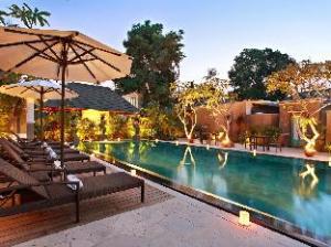 New Pondok Sara Villas by Platinum Management