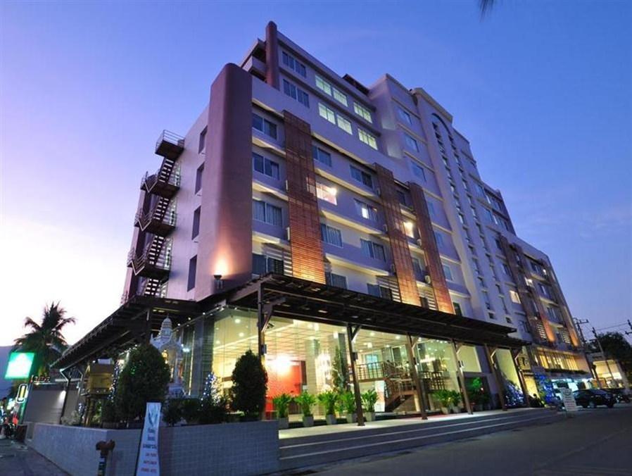จองราคาดี โรงแรมเมย์ฟลาวเวอร์ แกรนด์ - เชียงใหม่ รีบจอง