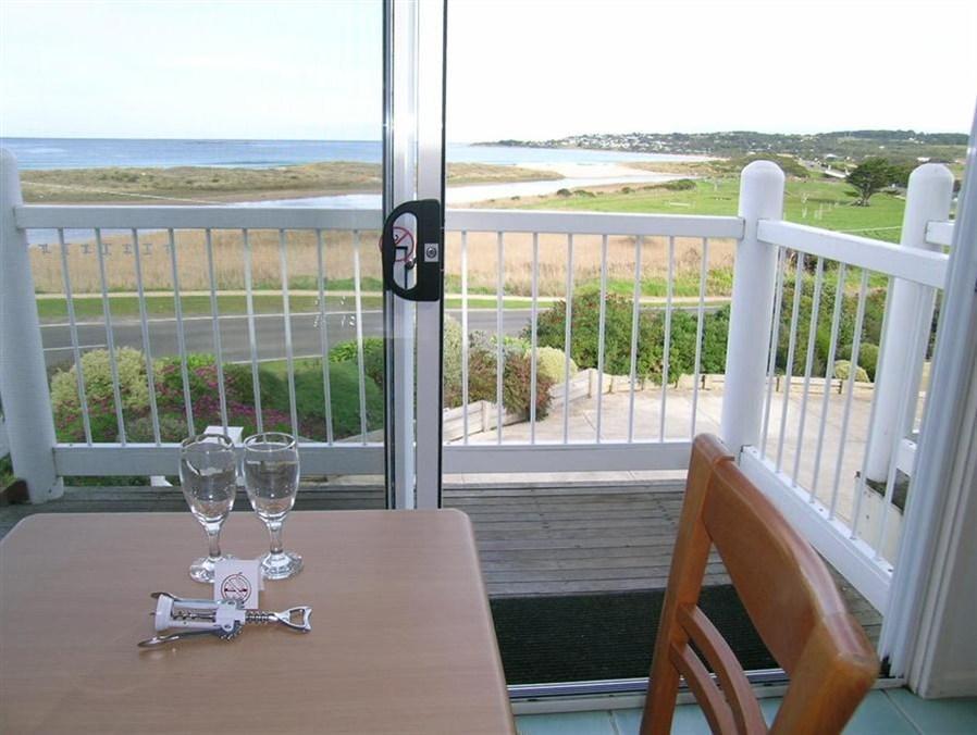 A Great Ocean View Motel