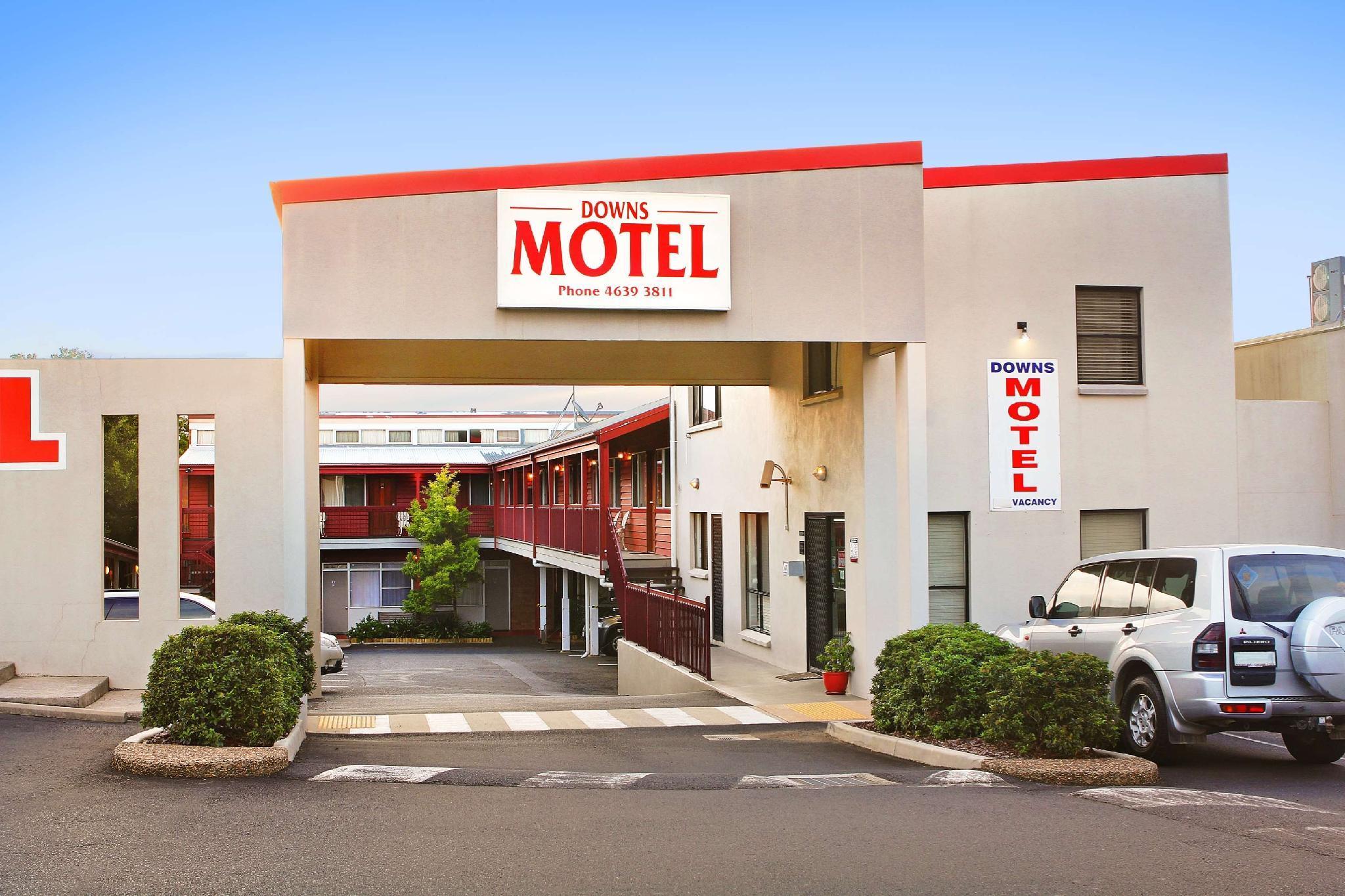 Downs Motel