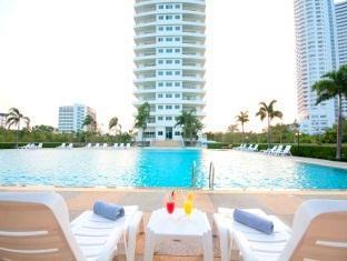 V8 Seaview Hotel โรงแรม วี8 ซีวิว
