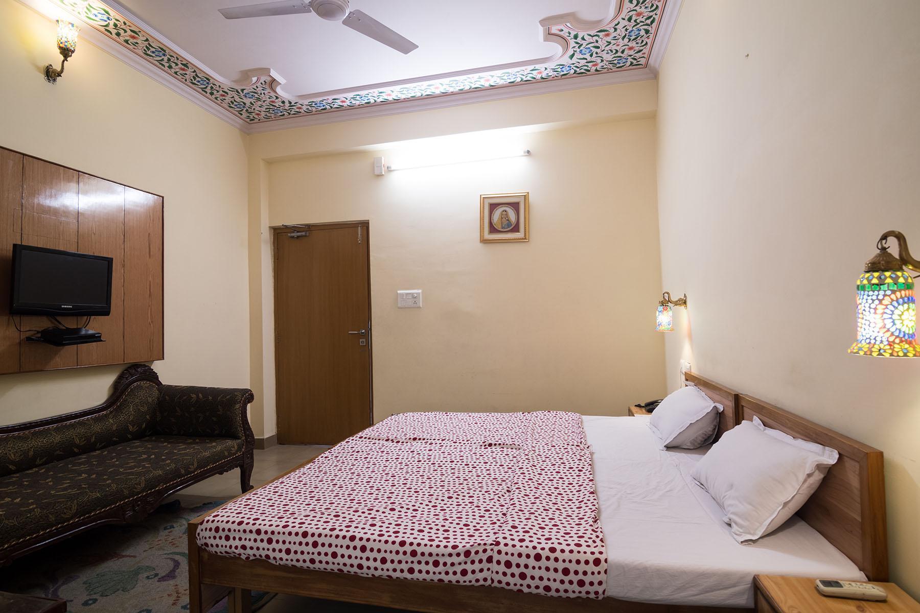 Chitra Katha Hotel
