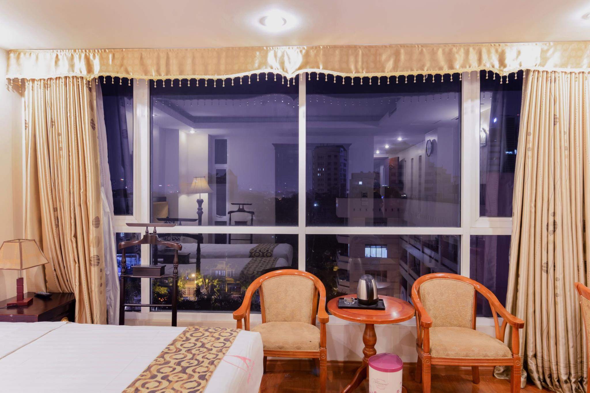 My Hotel   Eiffel Hanoi
