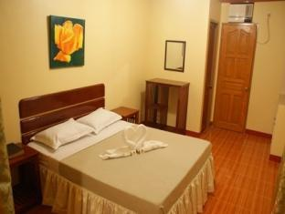 picture 5 of Gloreto Guest House