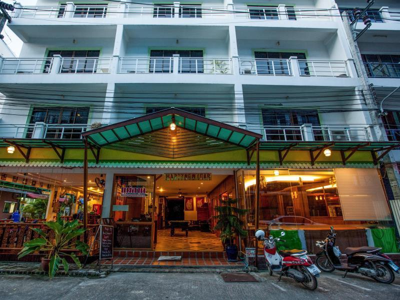 Triple Rund Place Hotel