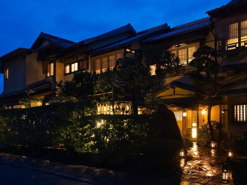 Charoku Bekkan Hotel