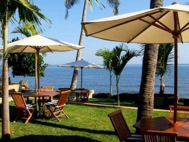 Dolphin Beach Bali Villas