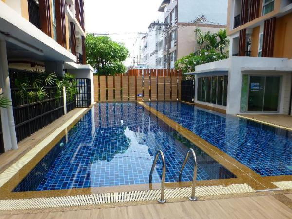 Apartment w/ Swimming pool  and high speed WiFi Udon Thani