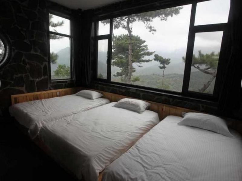 Big Bunk Villa With Mutianyu Great Wall View