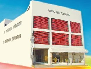 picture 1 of Cinfandel Suites