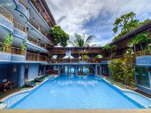 picture 1 of Hotel California