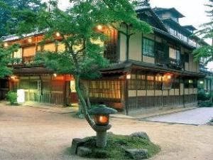 Iwaso Ryokan Hotel