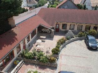 帕羅塔城旅館