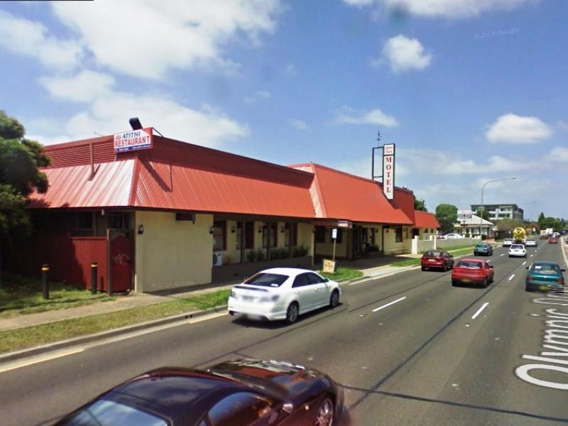 Liberty Plains Motor Inn