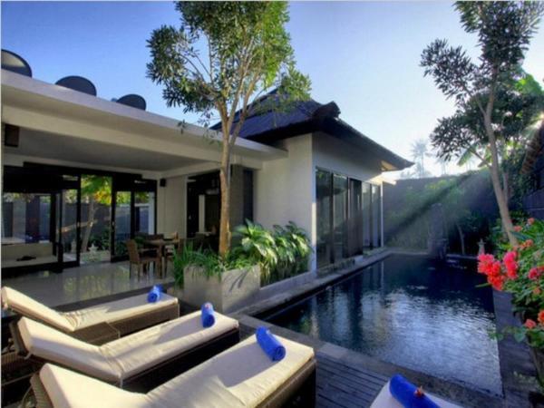 Gino Feruci Villa Lovina Bali