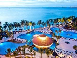 로얄 윙 스위트 앤 스파 바이 로얄 클리프 호텔 그룹  (Royal Wing Suites & Spa by Royal Cliff Hotels Group)