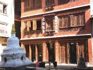 โรงแรม โคซี่ (Cosy Hotel)