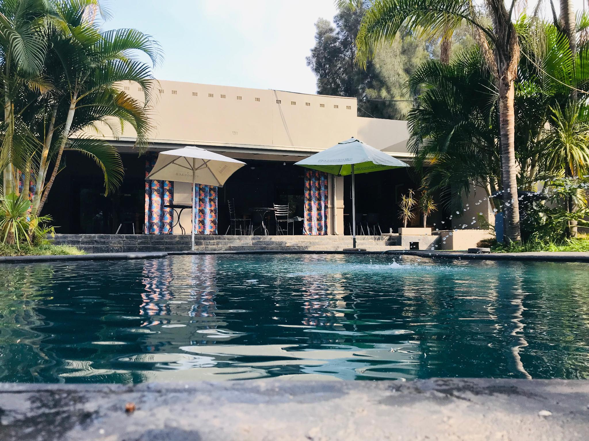 Elephant Springs Hotel And Apartments