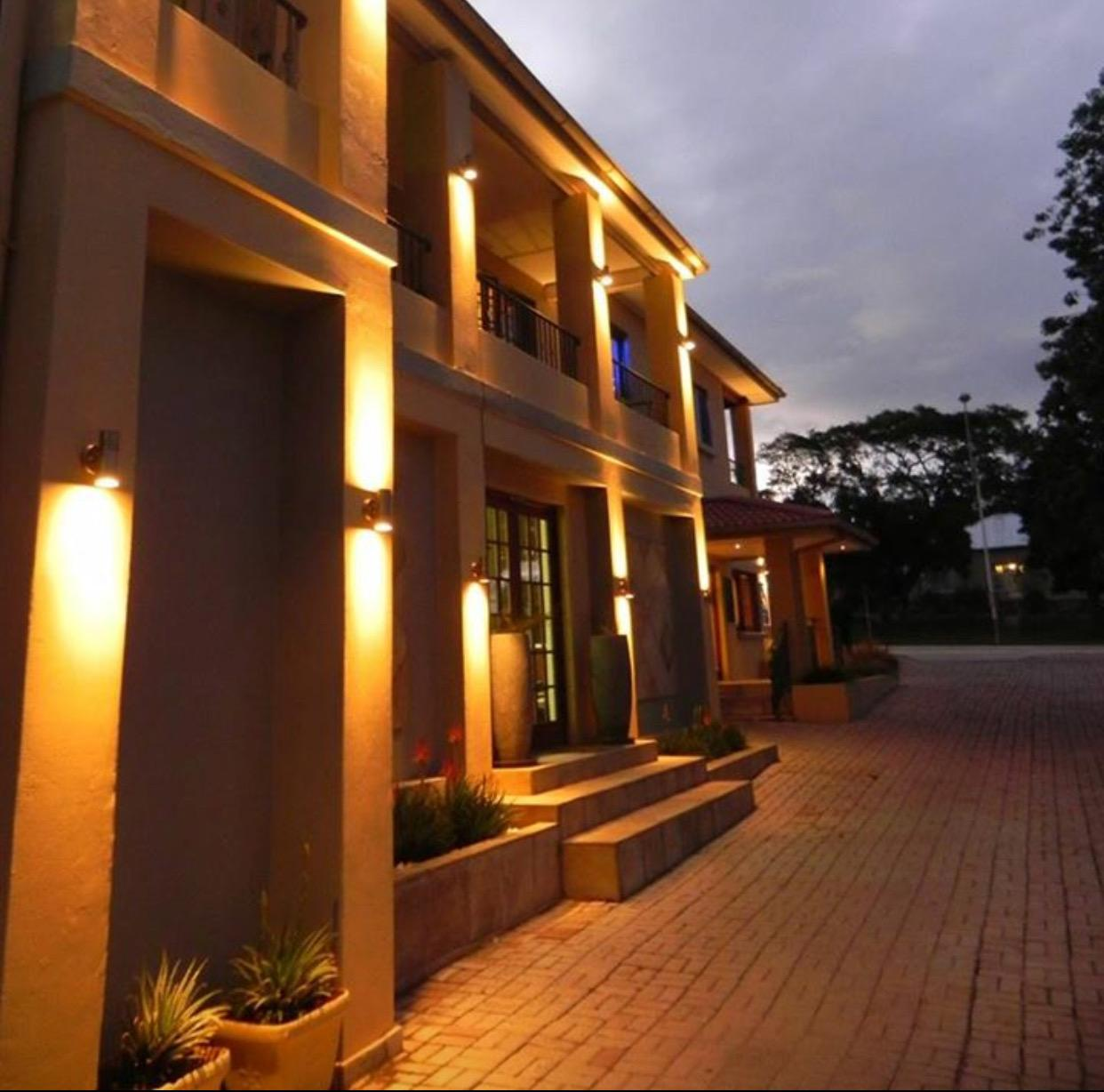 VJ's Guesthouse And Restaurant