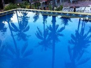 關於塞拉賽來花園家庭旅館 (Sira-Sarai Garden Home)