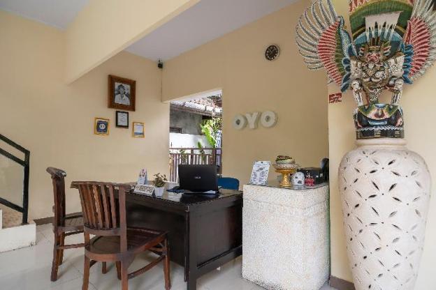 OYO 523 Dedy Beach Inn