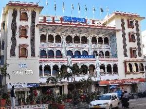 Hotel Arco Palace