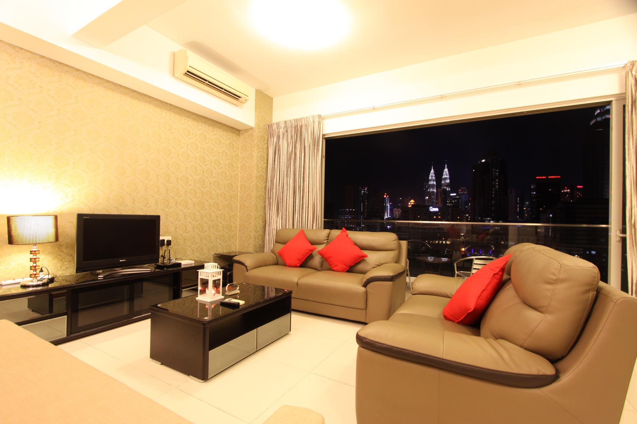 Astonishing KLCC View Directly From Living Room