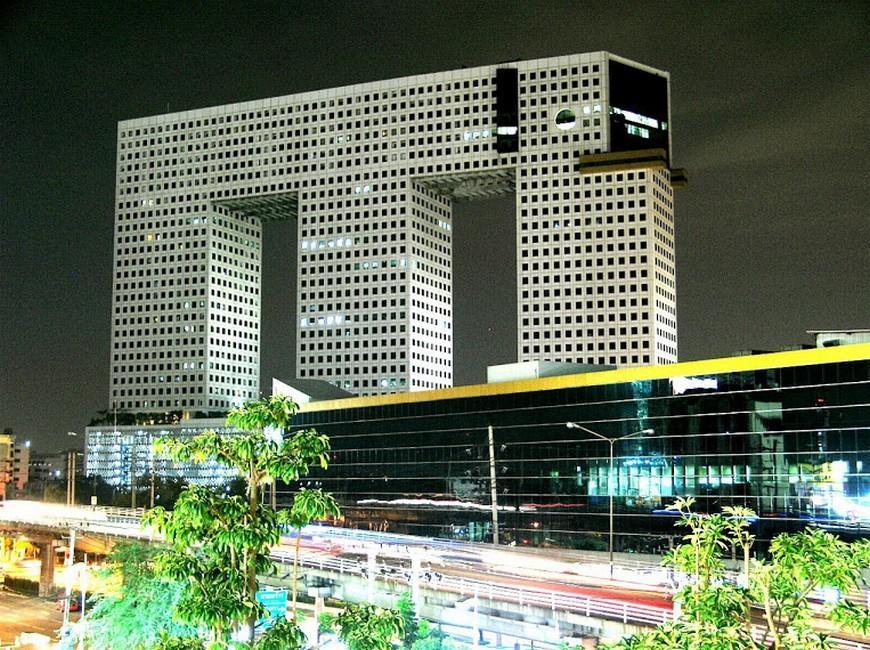 Iyarin@Tuk Chang Ratchayothin Hotel