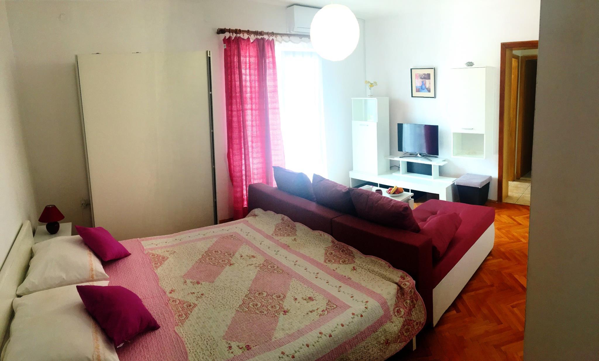 Classic One Bedroom Apartment In Vodice