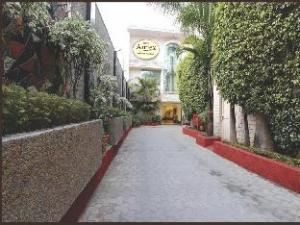 Hotel Annex (Hotel Annex)