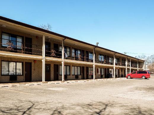 Capri Lynbrook Motor Inn