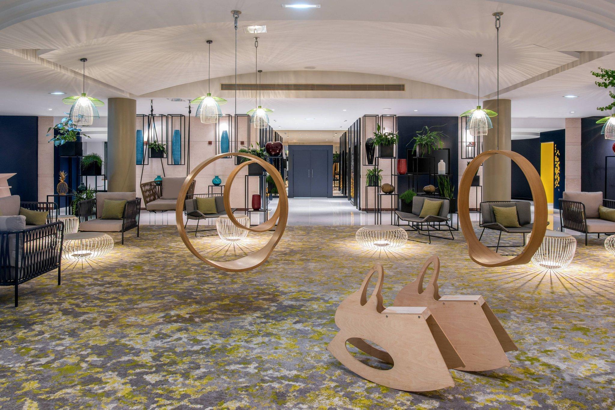 Courtyard Paris Roissy Charles de Gaulle Airport Hotel
