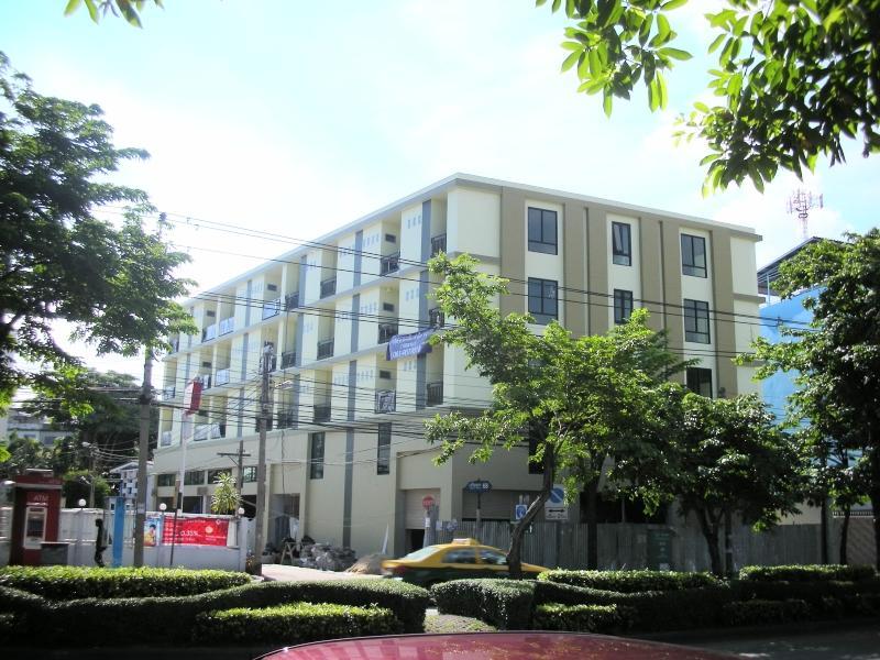 68 Living Apartment
