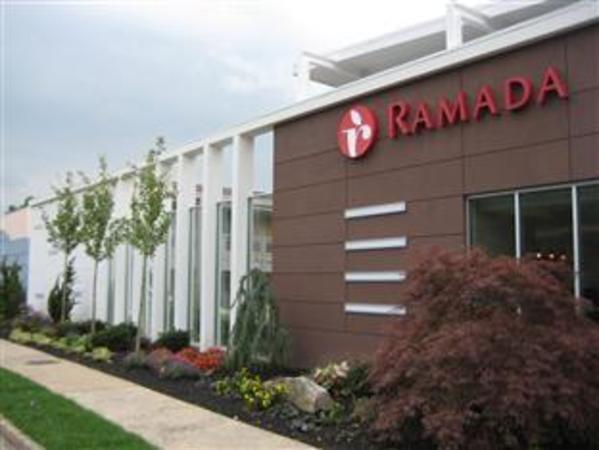 Ramada Inn & Suites of Rockville Centre New York