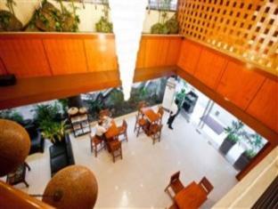 Dynasty Court Hotel