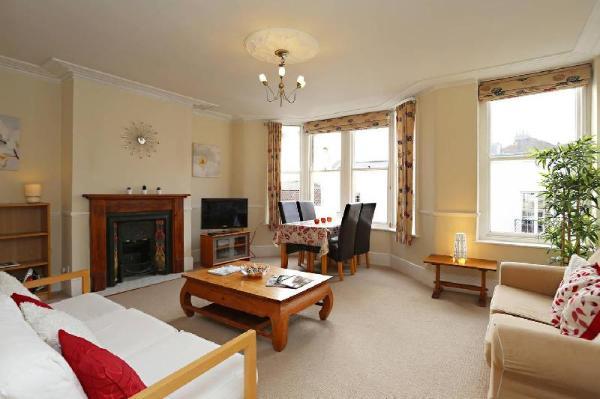 Bright & spacious 3 bedroom maisonette in Redland Bristol