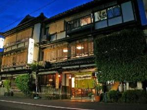 關於茶六本館 (Charoku Honkan)