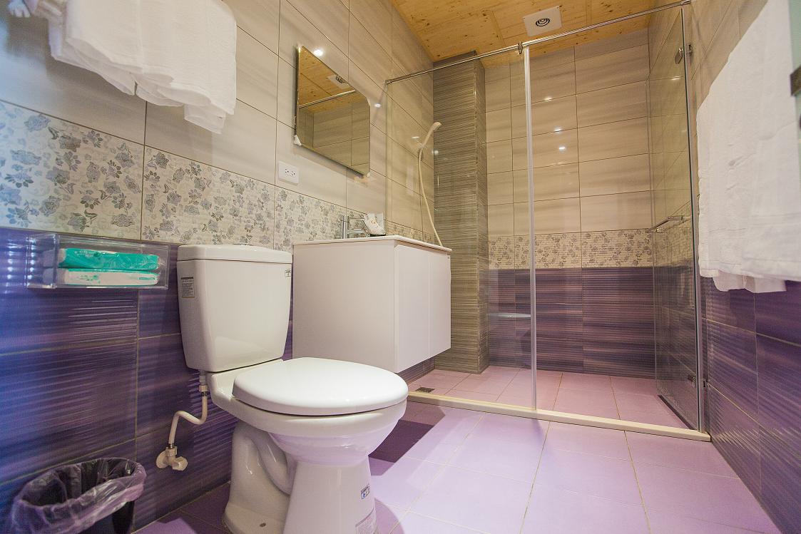 CharmingCat BandB  Quad Room