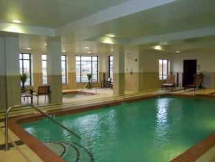 Holiday Inn Express Hotel And Suites Columbus Edinburgh