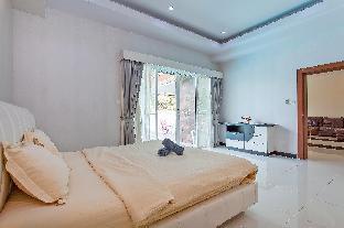 6BR Modern Villa w/Large Pool, Garden & Karaoke 6BR Modern Villa w/Large Pool, Garden & Karaoke